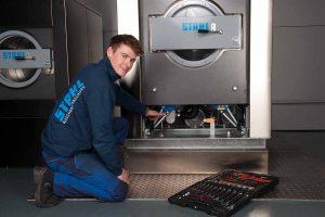 Service bei STAHL Wäschereimaschinen