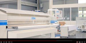 Filmdarstellung über Stahl Produktion in Sindelfingen